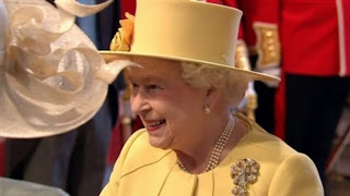 the Queen looks like Pac-Man