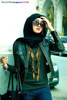 девушка в хиджабе и очках