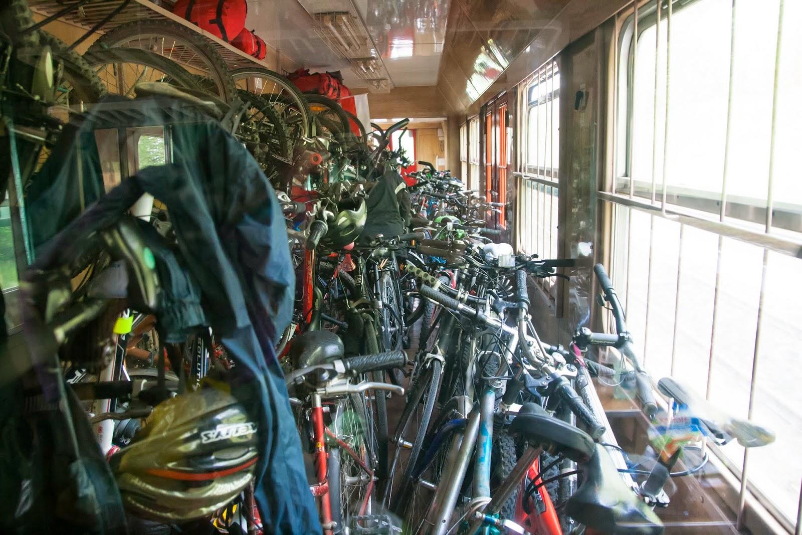 przepełniony wagon rowerowy
