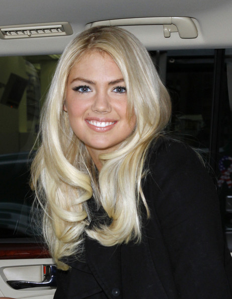 Kate Upton Layered Cut Hairstyle Look book
