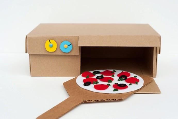 Juguetes con Cajas y Carton Reciclados