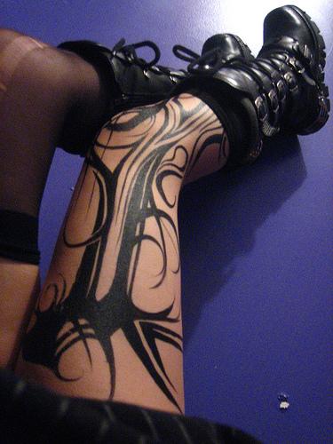 Tattoo on leg for girls fashion club for Thigh tribal tattoos