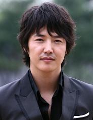 Biodata Yoon Sang Hyun Pemeran Seo Dong Chan