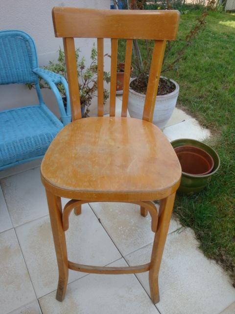 Les nouvelles croix de symiote chaise et fauteuils relook s - Lessive saint marc mur ...