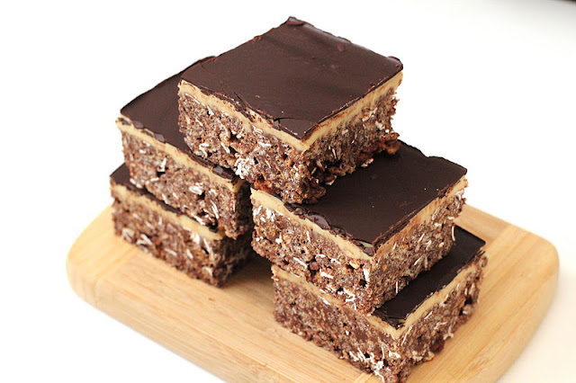 Healthy Mint Chocolate Krispy Treats - Desserts with Benefits