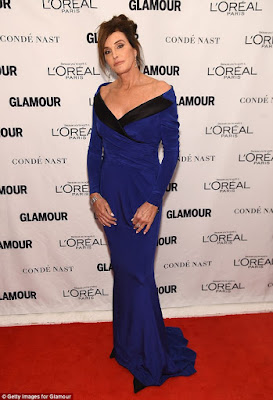 photo caitlyn jenner at glamour woman of the year awards