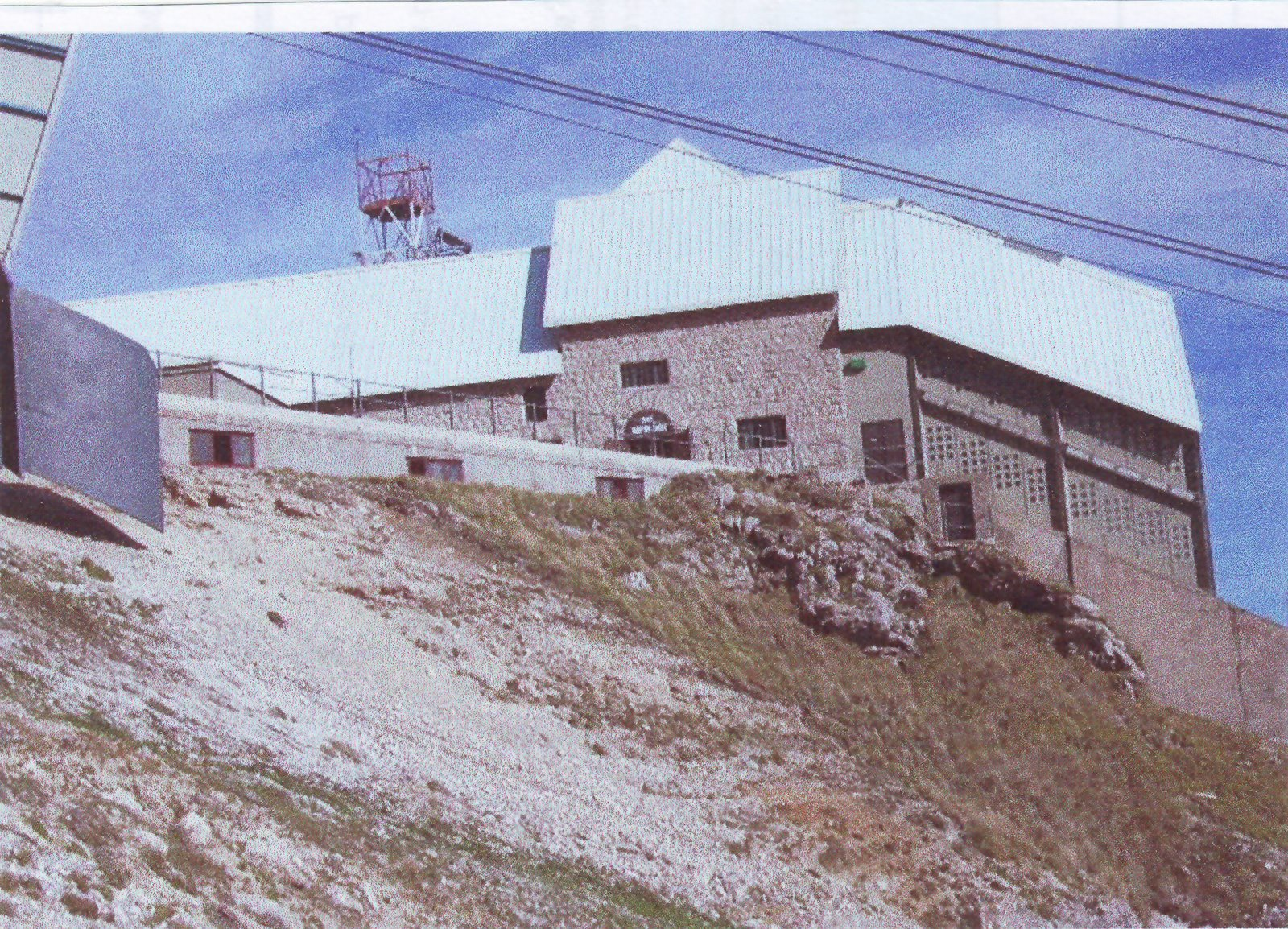 Assergi soggiorno e turismo assergi e la montagna for Cabine di cresta antler
