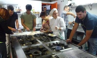 Saraspea elkartea cocinando entre amigos for Cocinando para los amigos