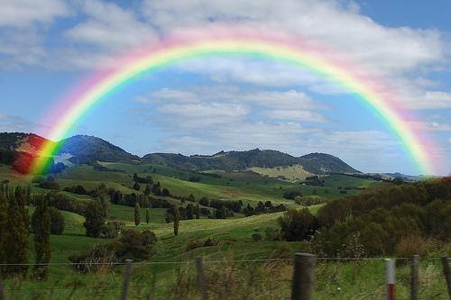 قوس القزح يغازل سطح المكتب/ Rainbow Flirts Desktop RainbowArch.jpg