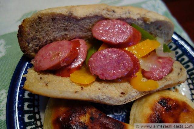 http://www.farmfreshfeasts.com/2012/10/thursday-quick-take-sausage-and-peppers.html
