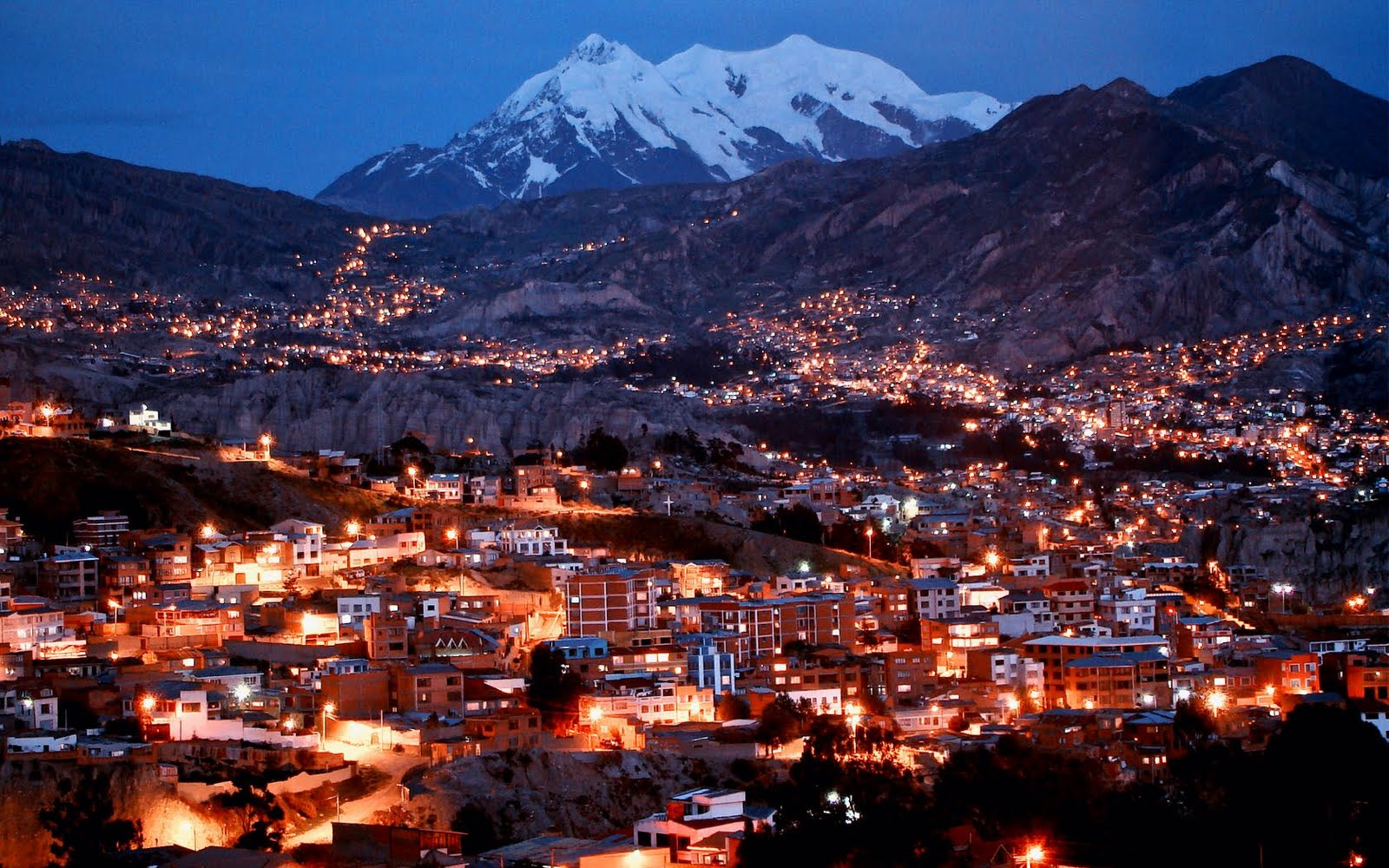 http://2.bp.blogspot.com/-b_bp_dspdfY/TcRNUzAIzpI/AAAAAAAADc0/aGKy3AtWuGo/s1600/la_paz_bolivia.jpg