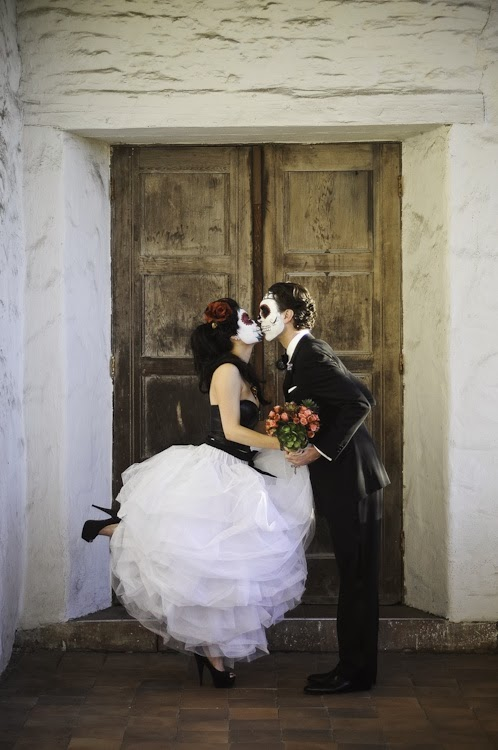 Devour the Details: Wedding Fever: Dia de Los Muertos