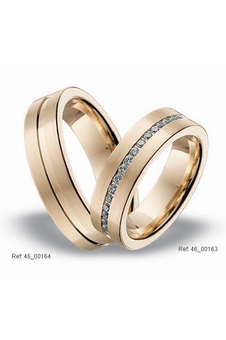 una boda convencional pero diferente: los anillos más bonitos del