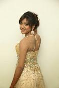 glamorous Vithika sheru new sizzling pics-thumbnail-1