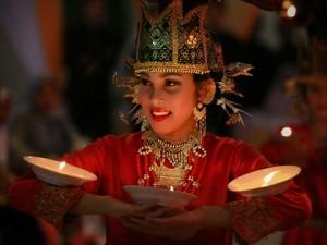 Tari-Piring-Minangkabau-Sumatera-Barat-3