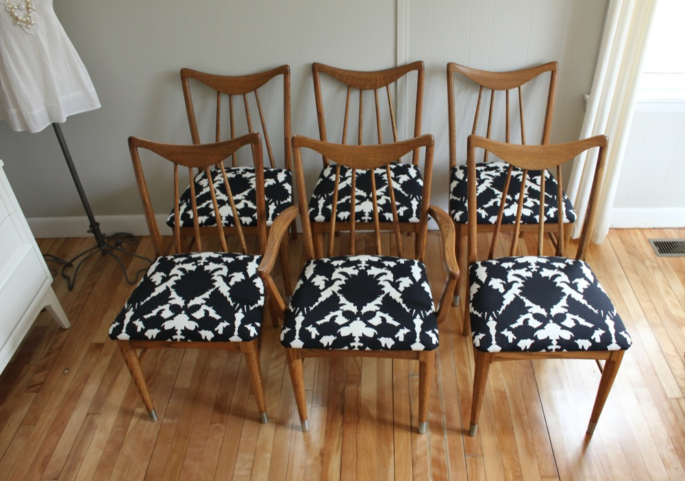 This Set Includes Five Side Chairs And One Captains Chair Each Measures 18 1 2W X 18D 33H They Are On Display At The Beautifully Renovated