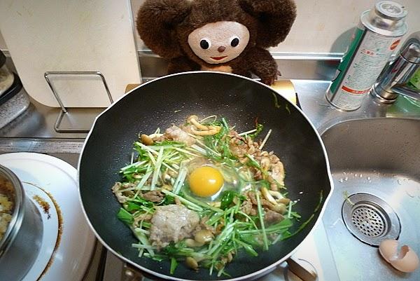 水菜と豚コマ肉の炒めの作り方(2)
