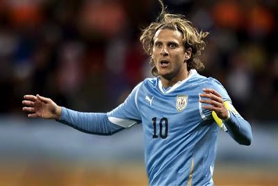 Uruguay y España jugarían un multimillonario Amistoso