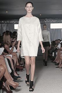 Lässige Kleidung - Alvarno Kollektion Frühjahr - Sommer 2012 - London Fashion Week