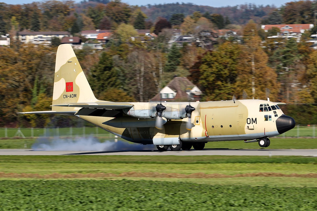 FRA: Photos d'avions de transport - Page 20 A0062