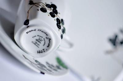 Malowana filiżanka porcelanowa