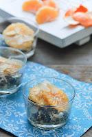 Mousse de ricotta con ciruelas y mandarinas