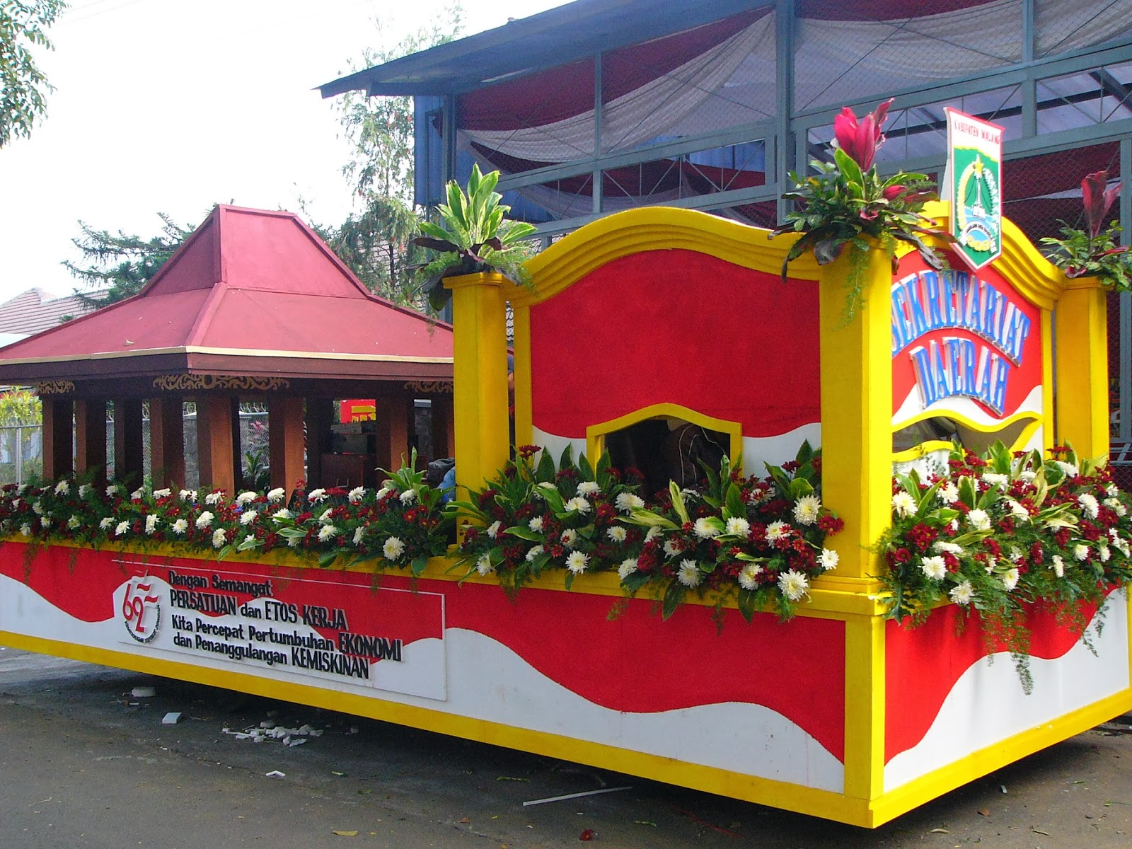 ... mobil hias, di bambang florist mampu mendekorasi mobil hias semenarik