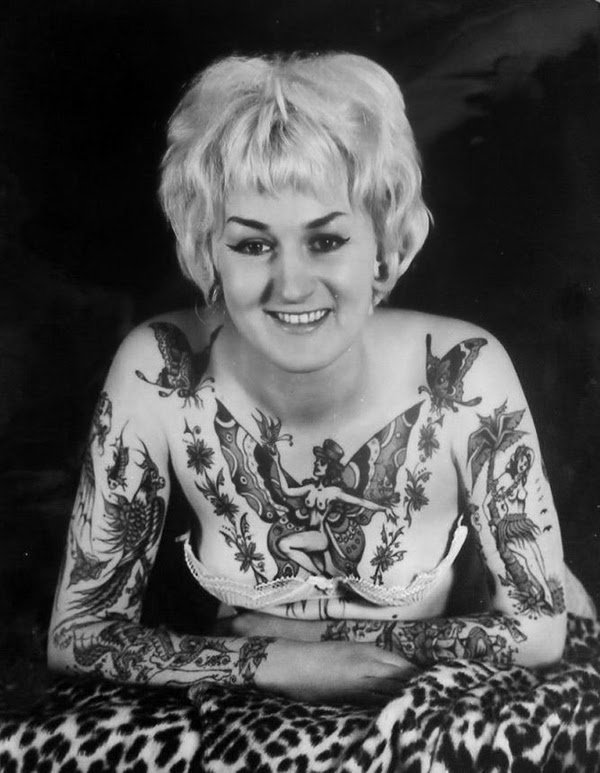 20 amazing vintage portrait photos of women with full body for Full body tattoo women