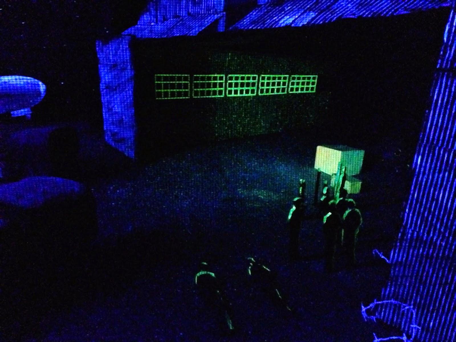 Attraction Black Light Theatre Tour