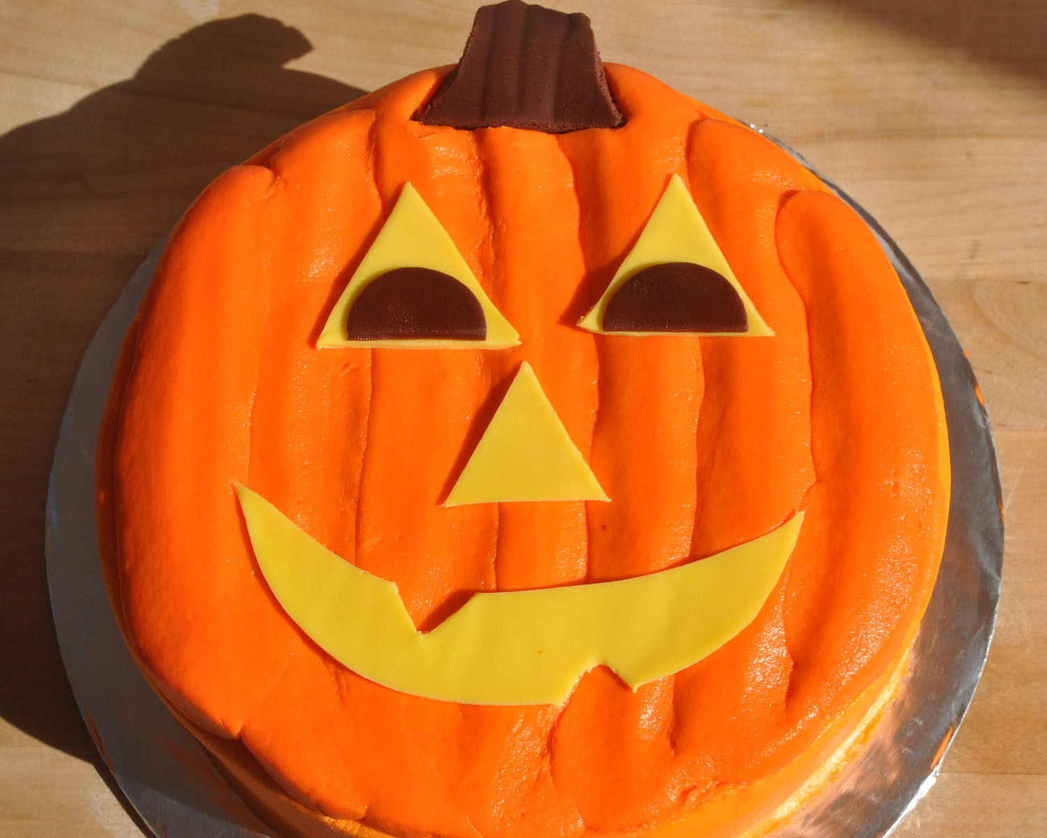 Easy Cake Decorating Halloween : Beki Cook s Cake Blog: Simple Jack-O-Lantern Cake