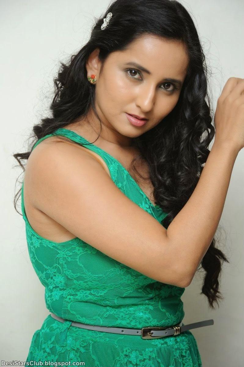 Actress Ishika Singh Stunning Photo in Green Skirt