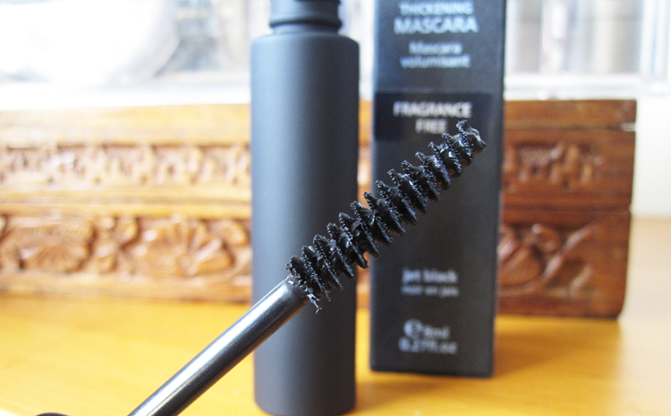 Living Nature Fragrance Free Thickening Mascara review