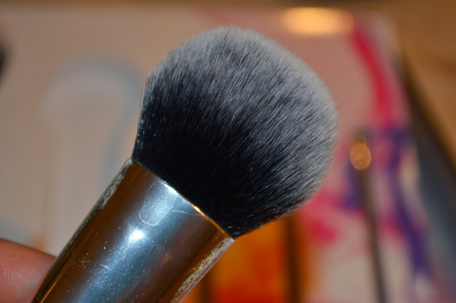 Real Techniques Nic's Picks Brush set - cheek brush