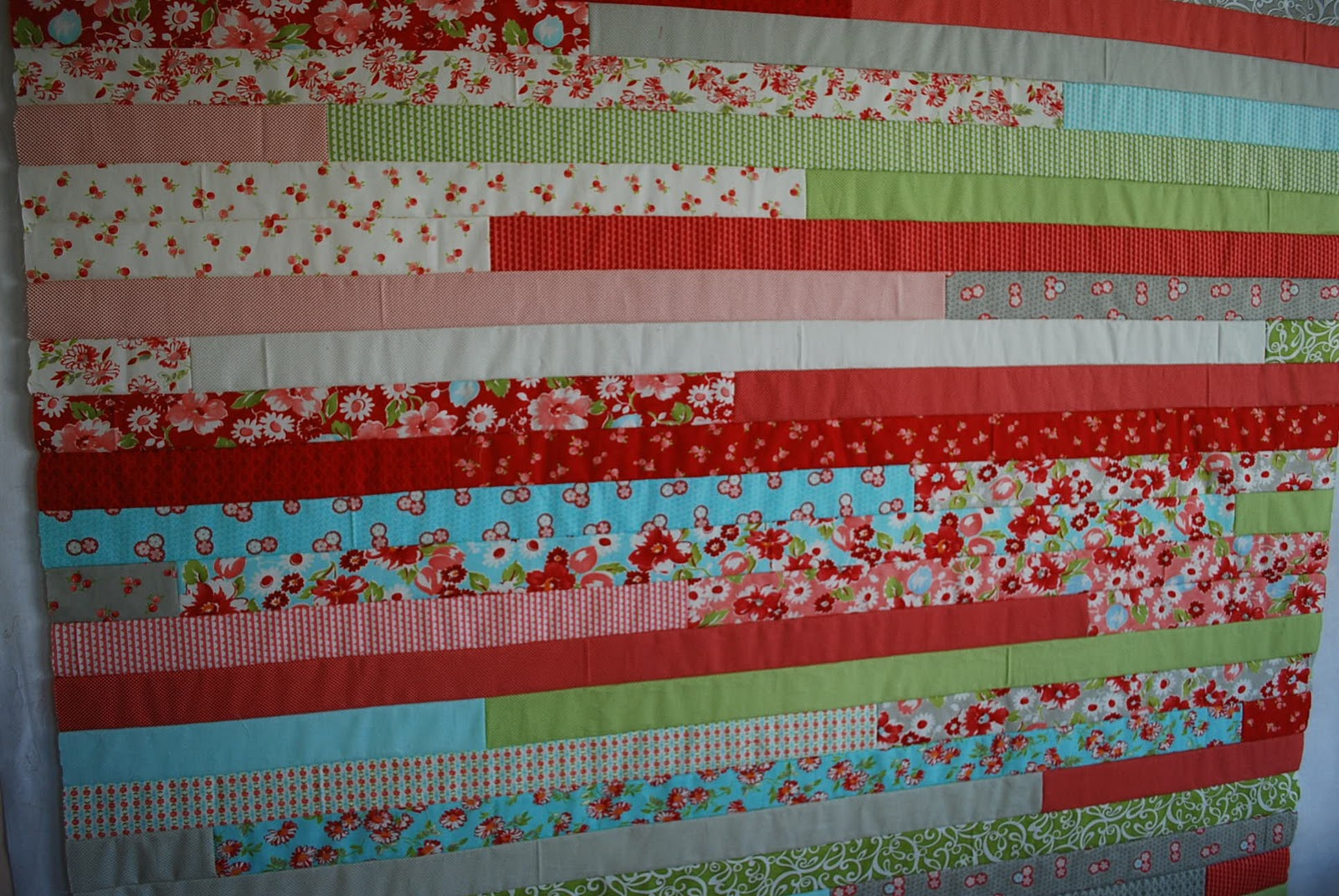 Crafty Garden Mom: Jelly Roll Race Quilt + Tutorial : jelly roll quilt size - Adamdwight.com