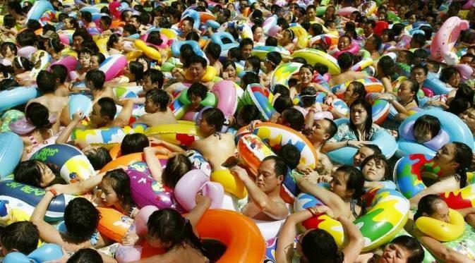Kolam Renang di China Terjorok