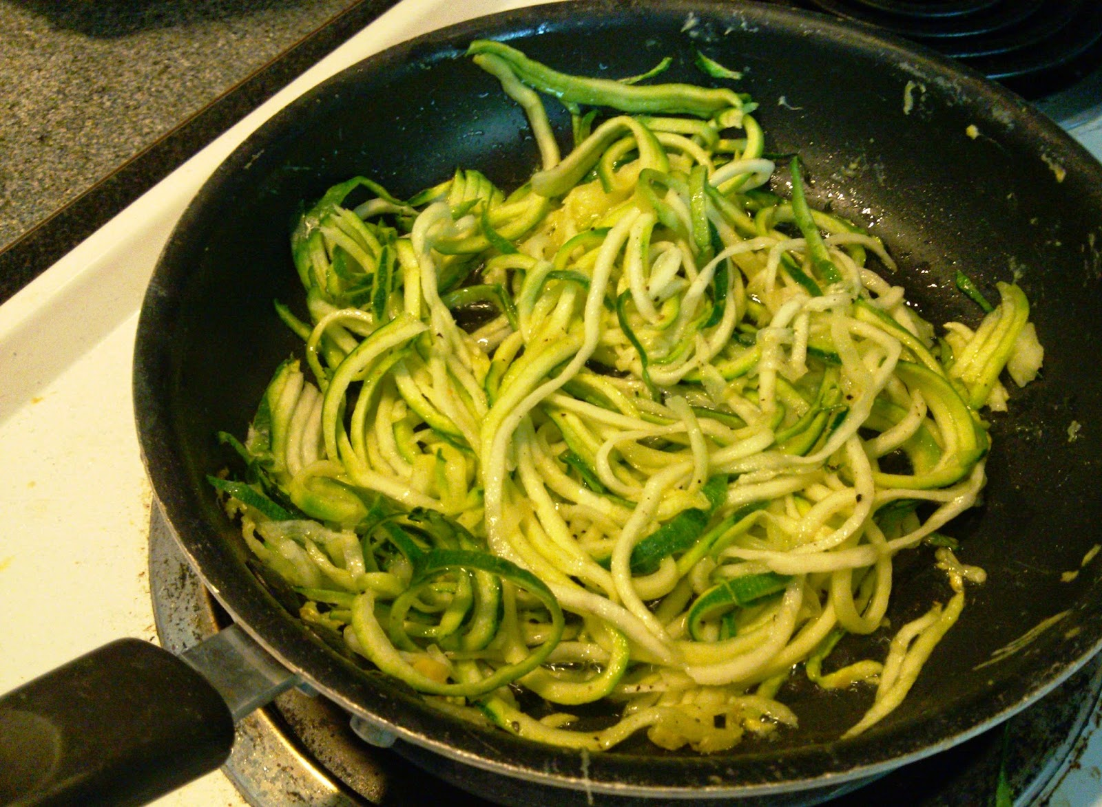 SuperSwizz Spiral Slicer Review + Low-Carb Zuchinni Pasta Recipe