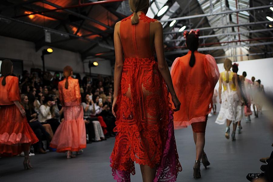 models runway show bora aksu london fashion week ss16