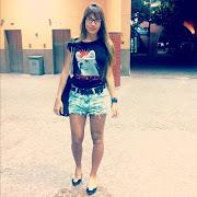Na noite deste ultimo domingo, 28, a exBBB Adriana usou um short jeans .