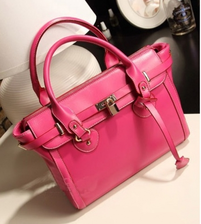 http://www.handbagwholesale.my/index.php?route=product/product&product_id=11690