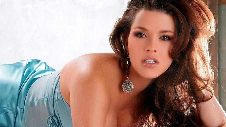 Alicia Machado, Miss Venezuela, Miss universo y conejita Playboy. Chicas guapas 1x2.
