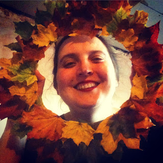 How to make a leaf wreath that is compostible.