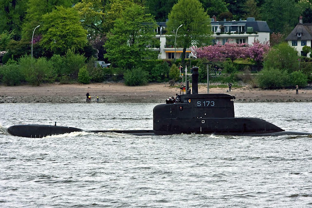 Nuevo+Submarino+Armada+Nacional+Colombia+U206A+2.jpg