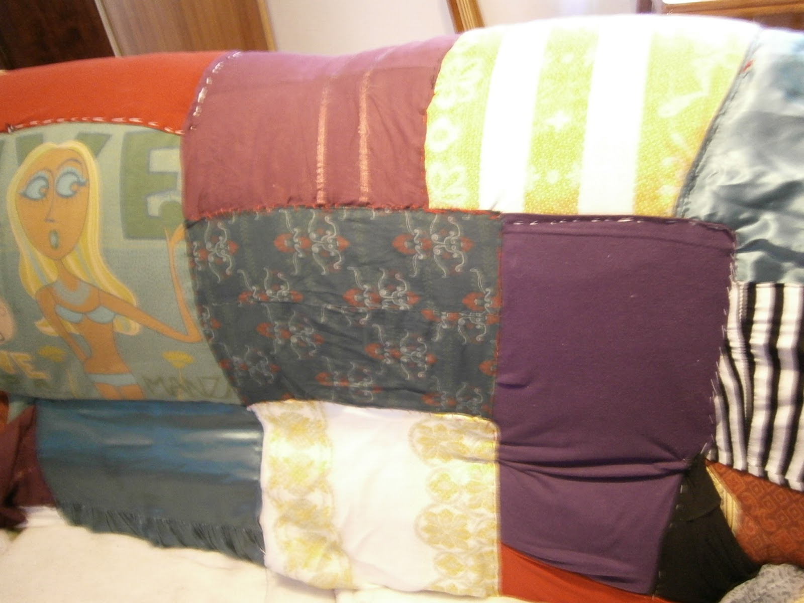 Punto y inicio sof viejo restauraci n con ropa sin uso for Sofas y punto