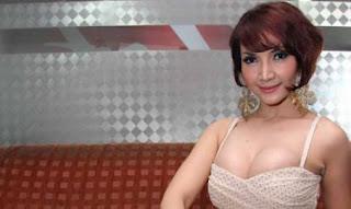 Bolehkah Gadis Ini Menjadi Simbol Seks Terbaru Industri Filem Indonesia?