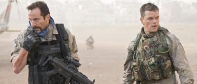 Le lieutenant Briggs (Jason Isaacs) et Roy Miller (Matt Damon) dans Green Zone