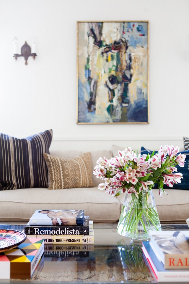 home-tour-a-young-designers-cheerful-eclectic-la-home-1519472.640x0c.jpg