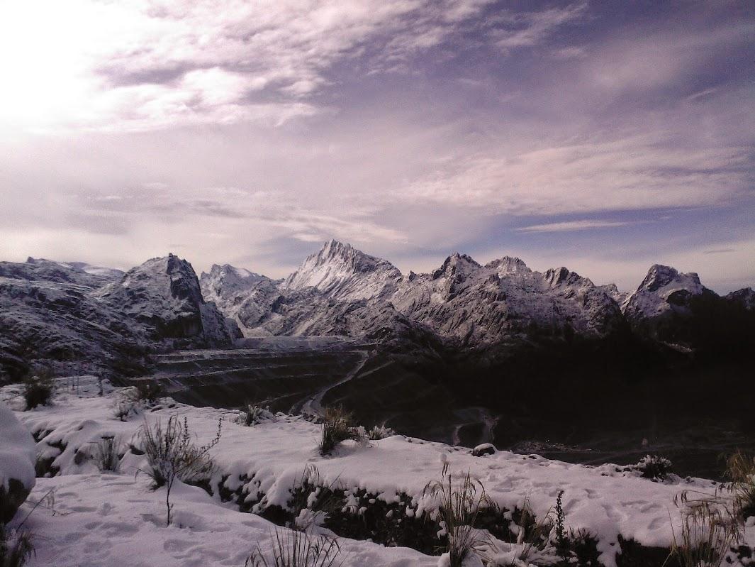 http://mountainspictures.blogspot.com/2015/03/gambar-4-pegunungan-jaya-wijaya-papua.html