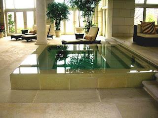 piscina+en+el+sal%25C3%25B3n+de+casa Piscinas en el salón de casa.