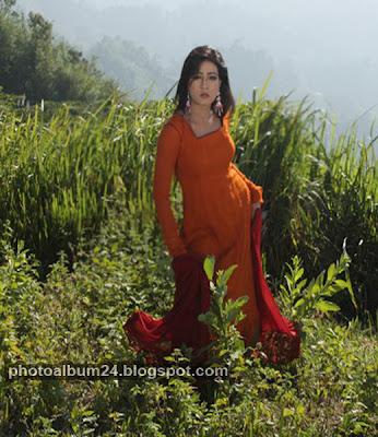 mahiya mahi crazi image