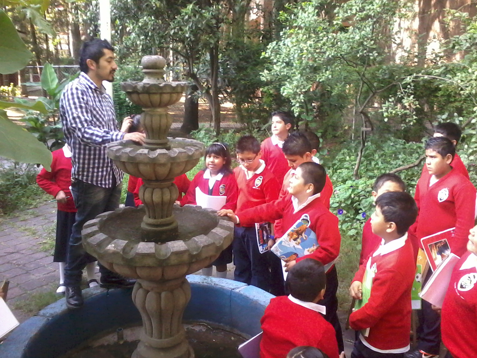 Taller infantil de artes pl sticas el trabajo de for El jardin de vikera